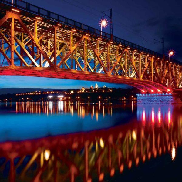 1997P8___bridge_reflection_by_night_city